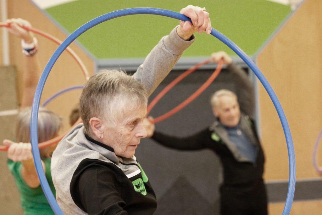 Senioren mit Ringe